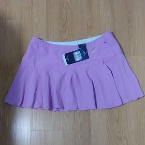 Nike tennis skirt size m (new)DRI FIT